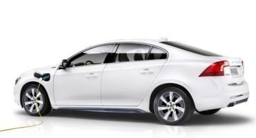 Al Salone di Pechino Volvo presenta la S60L Ibrida Plug-In a benzina