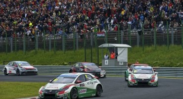 FIA WTCC, doppio podio Honda in Ungheria