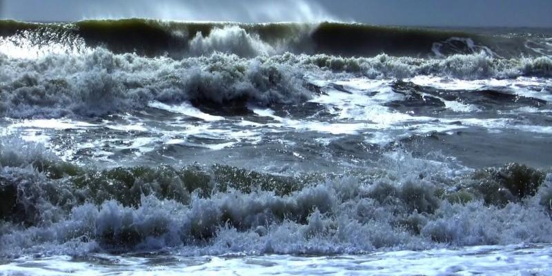mare-in-tempesta-1.jpg