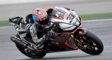 Mondiale SBK, bis di Melandri(Aprilia Racing) che vince anche Gara 2, davanti a Guintoli (Aprilia Racing)