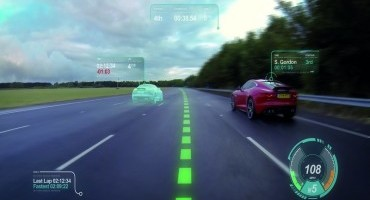 "Jaguar Land Rover: con il ""Virtual Windscreen"" l'intero parabrezza diventa un display"