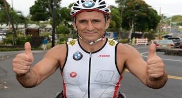Meravigliosa impresa di Alessandro Zanardi che domina nella sua prima gara di triathlon nelle Hawaii