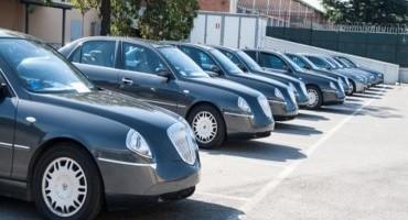 Auto blu: ombrelli e generali, una lotta impari per Cottarelli