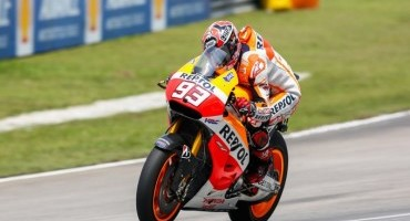 MotoGP, GP della Malesia, Marquez trionfa a Sepang davanti a Rossi e Lorenzo