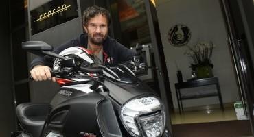 Lo Chef Carlo Cracco sceglie Ducati Diavel Carbon