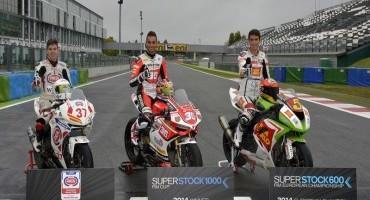 Pirelli DIABLO™ con le Rain posteriori le Aprilia WSB volano a Magny-Cours
