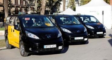 Nissan, nelle città di Barcellona e Madrid consegnati i primi taxi 100% elettrici