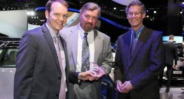 "Salone di Los Angeles, Hyundai Genesis riceve il premio ""LUXURY CAR OF THE YEAR"" da Populr Mechanics"