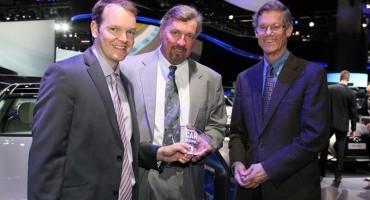 "Salone di Los Angeles, Hyundai Genesis riceve il premio ""LUXURY CAR OF THE YEAR"" da Populr Mechanics"