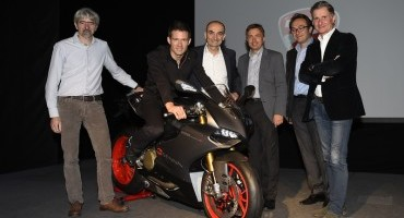 "Volkswagen regala a Sebastien Ogier una Ducati 1199 Panigale S ""Senna"""