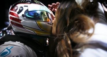 Formula 1, Lewis Hamilton conquista il suo primo titolo mondiale con Pirelli
