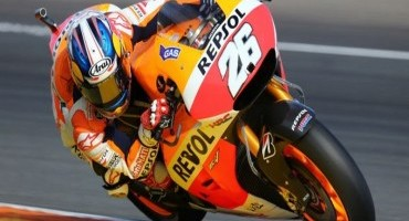 Front row start for Pedrosa as Marquez crashes on final lap