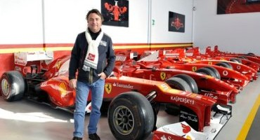 René Arnoux, l'ex pilota della Ferrari, in visita a Maranello