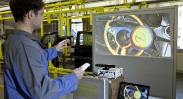 Opel, imparare a costruire automobili attraverso la console dei videogiochi