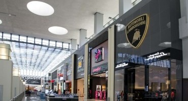 A Dubai il primo fashion store Collezione Automobili Lamborghini