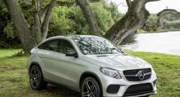 Mercedes-Benz: la GLE Coupé debutta nel film Jurassic World