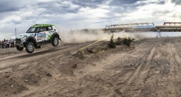 2015 Dakar Rally: MINI clinches a one-two victory at stage four // Nasser Al-Attiyah extends his lead in the overall classification