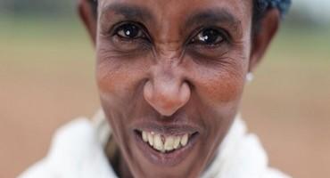 H&M, i clienti corrono in soccorso delle donne Etiopi