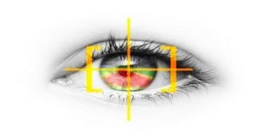 """""""Eye tracking"""", la nuova tecnologia di Opel per controllare la luce dei fari con il movimento degli occhi!"""
