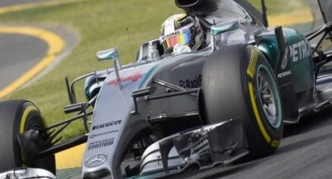 Lewis Hamilton claims Pole on P Zero Soft Tyres