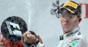 Formula1, GP Australia, Hamilton apre le danze e vince la prima gara del mondiale, 2° Rosberg, 3° Vettel