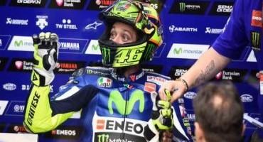 MotoGP: Valentino Rossi inaugura con una strepitosa vittoria la stagione 2015, in Qatar. Podio tutto italiano con Dovizioso e Iannone