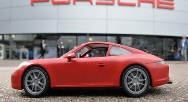 Desideri una Porsche 911 Carrera S ma reputi costi troppo? PLAYMOBIL ha la soluzione per te!