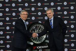 Yokohama-sponsor-del-Chelsea-il-mister-Jose-Mourinho md