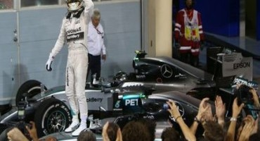Formula 1, GP del Bahrain: terza vittoria della stagione per Lewis Hamilton
