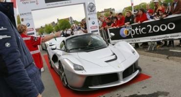 Le Ferrari giungono al traguardo della 24a edizione del Tour Auto