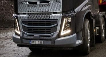 Volvo FH con nuovo paraurti rinforzato per applicazioni impegnative