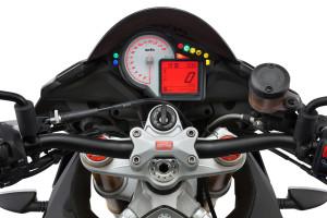 nuova-aprilia-tuono-v4-1100-rr-e-factory-_13-tuono-v4-1100-rr