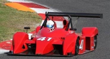 ACI Sport, Italiano Prototipi, Gara 1, Claudio Francisci (Lucchini Alfa Romeo) riesce nell'impresa di vincere in casa. Jacoboni penalizzato