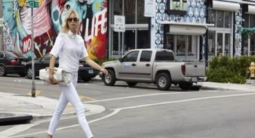 Karolina Kourkova in compagnia di Nina, la nuova it bag firmata Zanellato®
