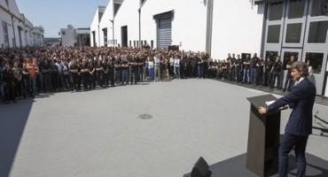 Lamborghini, Stephan Winkelmann annuncia il nuovo SUV ai 1200 dipendenti  di Sant'Agata