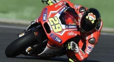 MotoGP, Gp del Mugello, superlativa pole di Iannone che beffa Lorenzo e Dovizioso. Solo 8° Rossi
