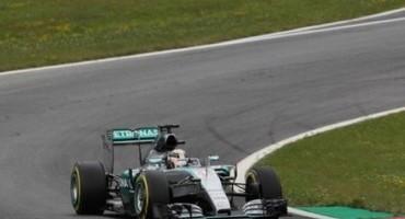 Formula 1, GP Austria: super Hamilton in pole, 2° Rosberg, poi Vettel
