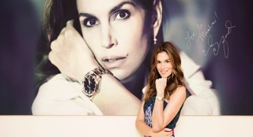 Brand Ambassador Cindy Crawford makes a style statement at OMEGA Boutique in Mumbai