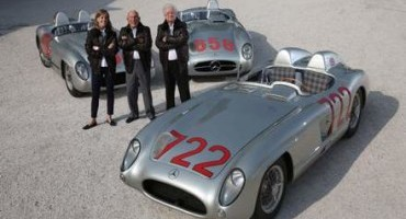 Mercedes-Benz 300 SLR e Stirling Moss festeggiati al Goodwood Festival of Speed