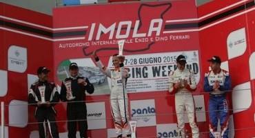 ACI Sport, Italiano Turismo Endurance, in Gara 1 a Imola, Valentina Albanese (Seat Leon Racer) sale in cattedra e torna al successo