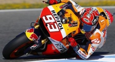 MotoGP, Assen, Marquez takes second after spectacular battle with Rossi in final chicane with Pedrosa 8th