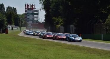 Entusiasmo e grande spettacolo per il quarto Aci Racing Weekend 2015, in scena all'Autodromo Enzo e Dino Ferrari di Imola