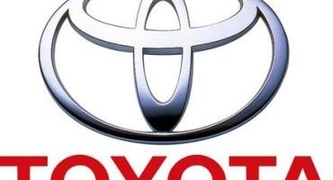 """Toyota presenta """"Mirai"""": secondo la casa giapponese il nuovo modo di concepire l'auto nel rispetto dell'ambiente"""