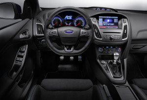 ford-reveals-350-ps-output-for-all-new-focus-rs-as-ken-block-unleashes-high-performance-hatchback-at-goodwood-fordfocusrs_interior_02