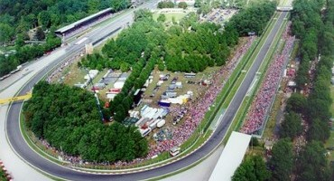 Autodromo Nazionale Monza, Ivan Capelli e Andrea Dell'Orto a colloquio a Londra con Bernie Ecclestone