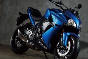 suzuki-gsx-s1000f-abs-oltre-la-sportbike-scarica-foto-gsx-s1000f-abs-8