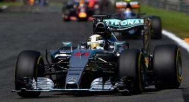 Formula 1, GP del Belgio: Lewis Hamilton detta il passo e vince la gara, secondo Rosberg, terzo Grosjean