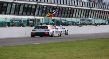 Campionato Italiano Turismo Endurance, Misano: Gara 1 sotto il segno delle Seat, con Valentina Albanese che precede Jordi Gené