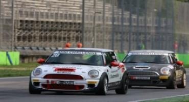 Mini Challenge 2015, Gara 1: Gianluca Calcagni conquista la prima vittoria stagionale
