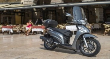 Kymco People One 125i DD: da oggi con frenata integrata e freno a disco posteriore